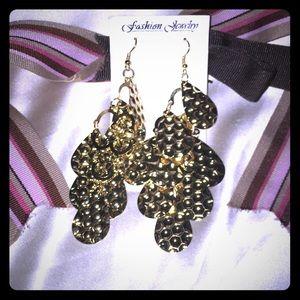 🎁NWT Fashion Earrings 🎁